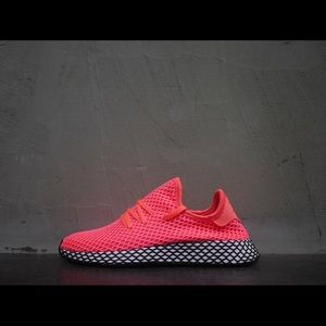 sports shoes 7ecc1 217a9 Adidas Deerupt Turbo Pink